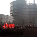 Vor dem EU-Parlament